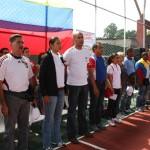 Autoridades en el acto inaugural en la cancha del sector Sur América