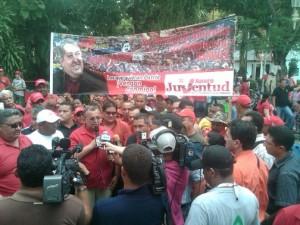 Juventud del Psuv en Apure acompañó a Ramón Carrizales en su inscripción ante el CNE