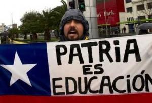 estudiante-chileno-protesta-estudiantes-Santiago_PREIMA20110909_0120_5
