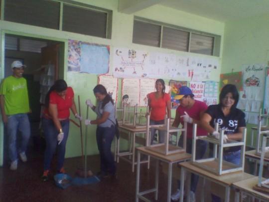 Diferentes instituciones del estado se unieron para ejecutar el programa _Una Gota de Amor para mí Escuela