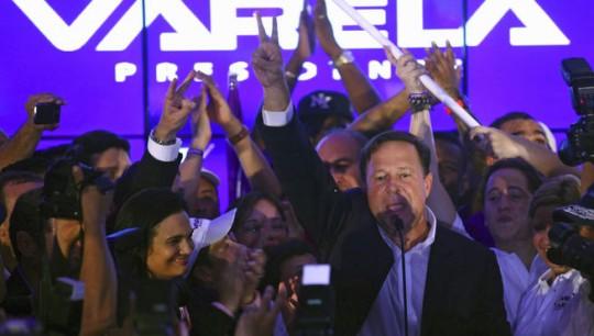 Juan-Carlos-Varela-presidente-Panama_MDSIMA20140505_0005_21