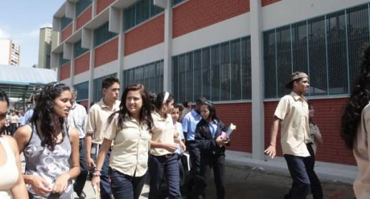 ABN-03-10-2011-31011344222Liceo_SC03
