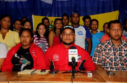 Estudiantes de diferentes universidades se unieron al rechazo contundente que desde las filas revolucionarias se expresa, ante la fuerte ola de rumores contra el Gobierno Bolivariano