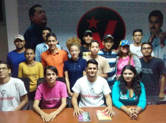 """La Juventud esta sumada a los planes de trabajo de la revolución, junto a nuestro Presidente Nicolás Maduro, nuestra gobernadora Carmen Meléndez y los 9 alcaldes bolivarianos en cada uno de los municipios"""" resaltó García FOTO MANUEL TOVAR"""
